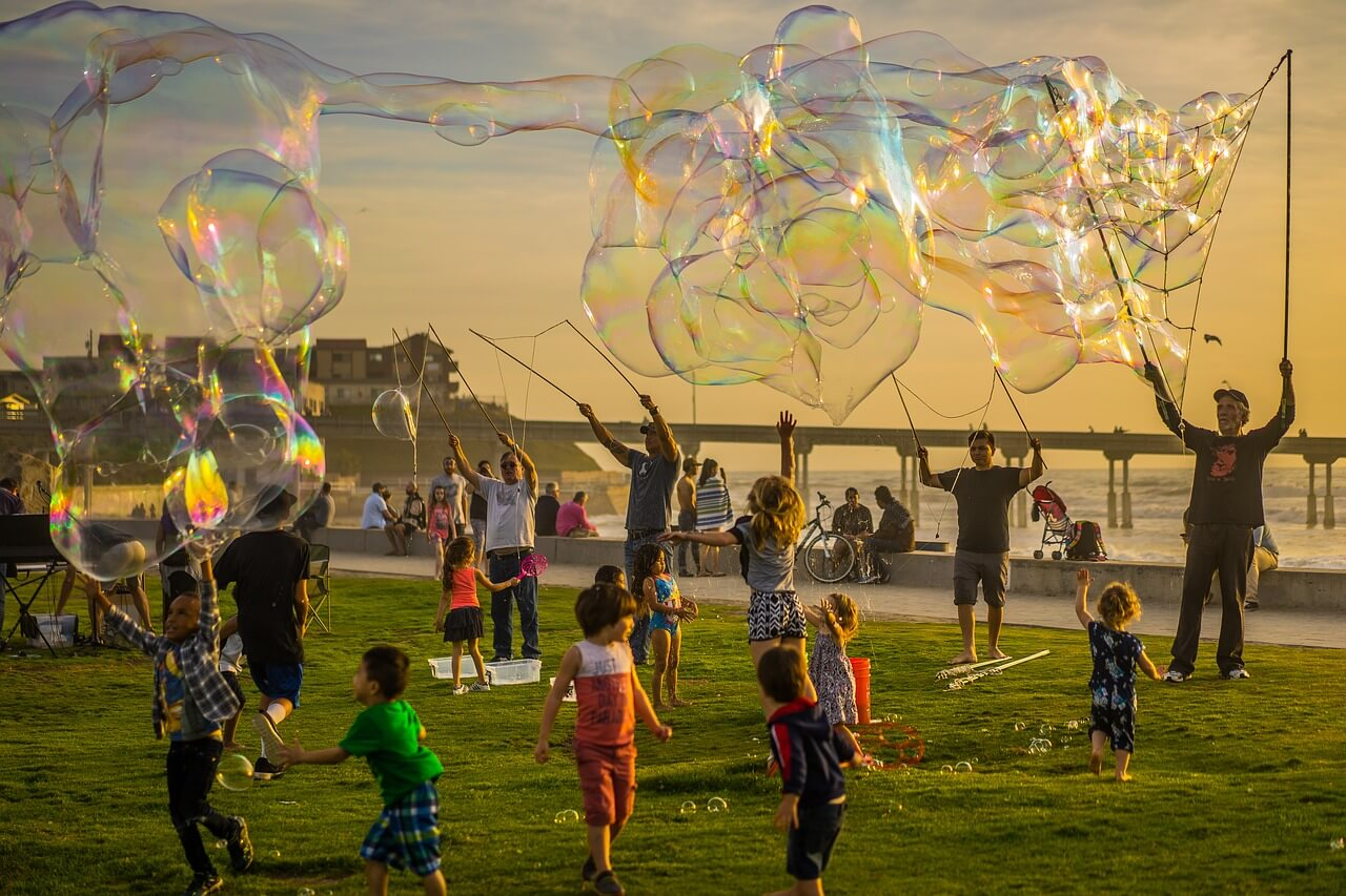 bubble machine, bubble maker machine, kids bubble machine, buy bubble machine, portable bubble machine, bubble maker